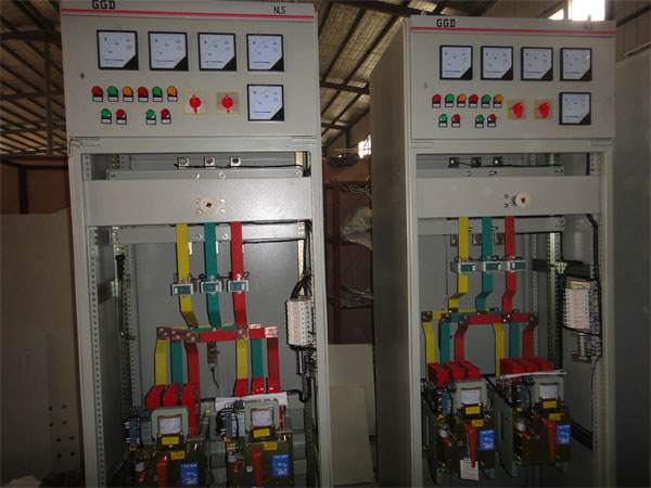陈家坪机电市场GGD交流低压配电柜安装案例